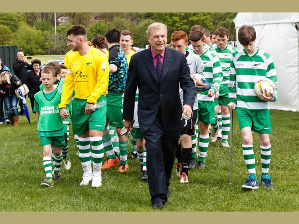 Sir Trevor Brooking with the U17 and U18 teams. Courtesy of Kewford Eagles Football Club