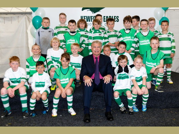 Sir Trevor Brooking with the Club mascots. Courtesy of Kewford Eagles Football Club